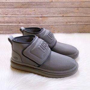 UGG Neumel UGG Molded Logo Boots In Seal